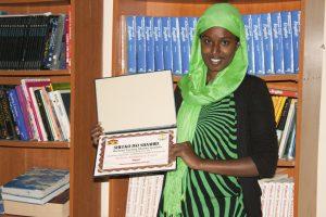 Hayat (Raxma) Mohammed Yusuf with her award